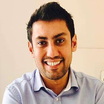 Dr Nikhil Oberai